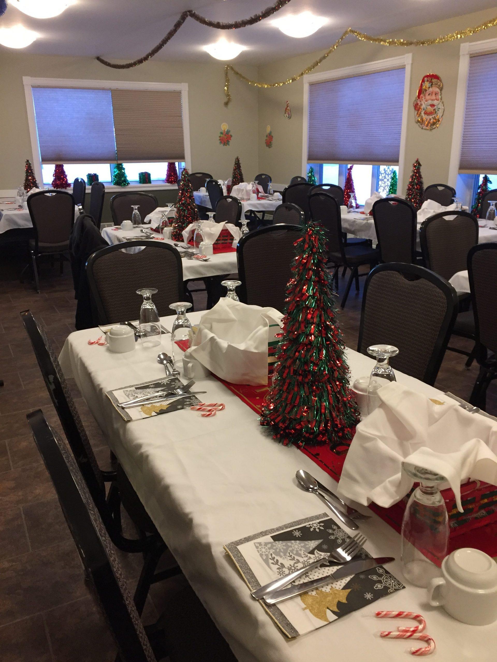 Aura Dining Room - Christmas