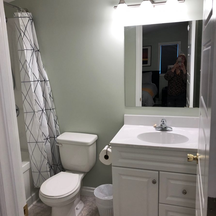 Aura 3 Bath